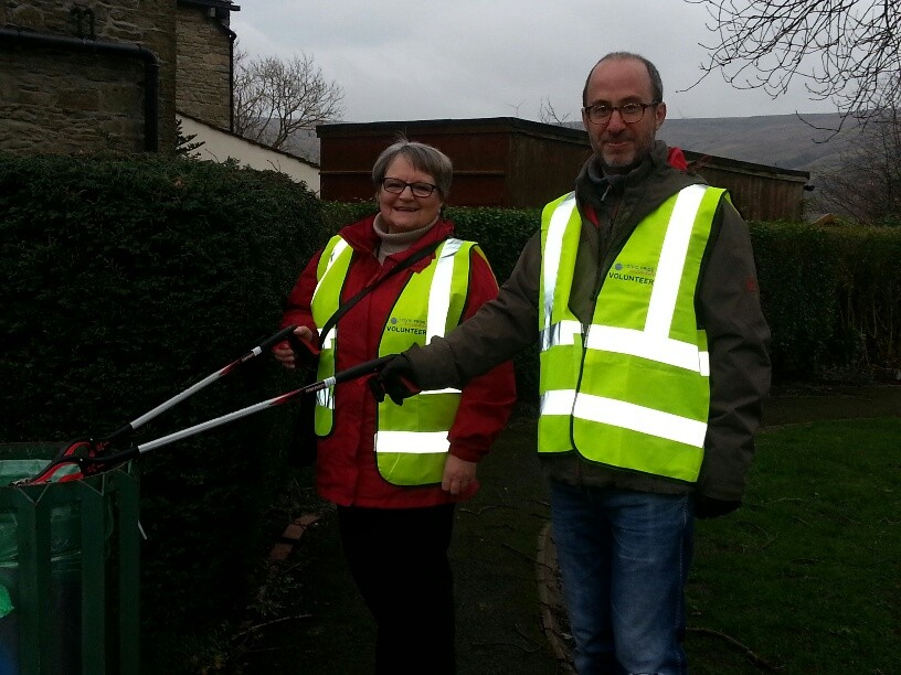 Cllr Christine Lamb and Chief Executive of Rossendale Council Stuart Sugarman out litter picking at the event