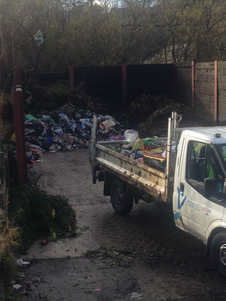 Our Refuse workers have just removed fly tipped waste from Smithy Street, keeping the streets clean!